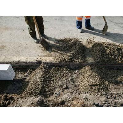 Установка и монтаж гранитного бордюра